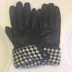 Loft houndstooth gloves